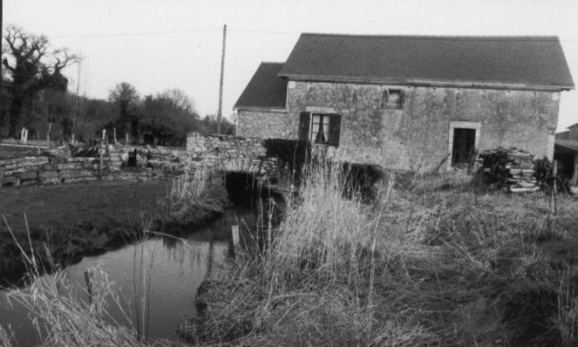 32 moulin à eau de Launay
