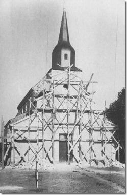La façade de l'église est consolidée et ravalée (1936 -37)_thumb[3]