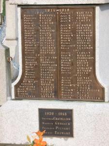 4 Le monument aux morts (détail)